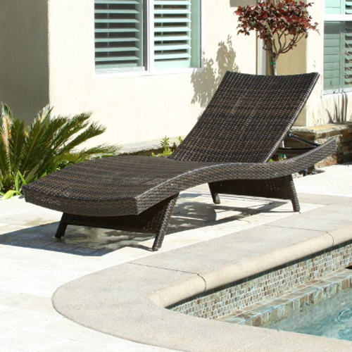 Outdoor Wicker Lounge Brown
