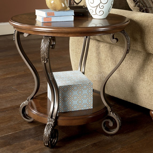 Signature Design by Ashley Traditional Nestor End Table - Medium Brown